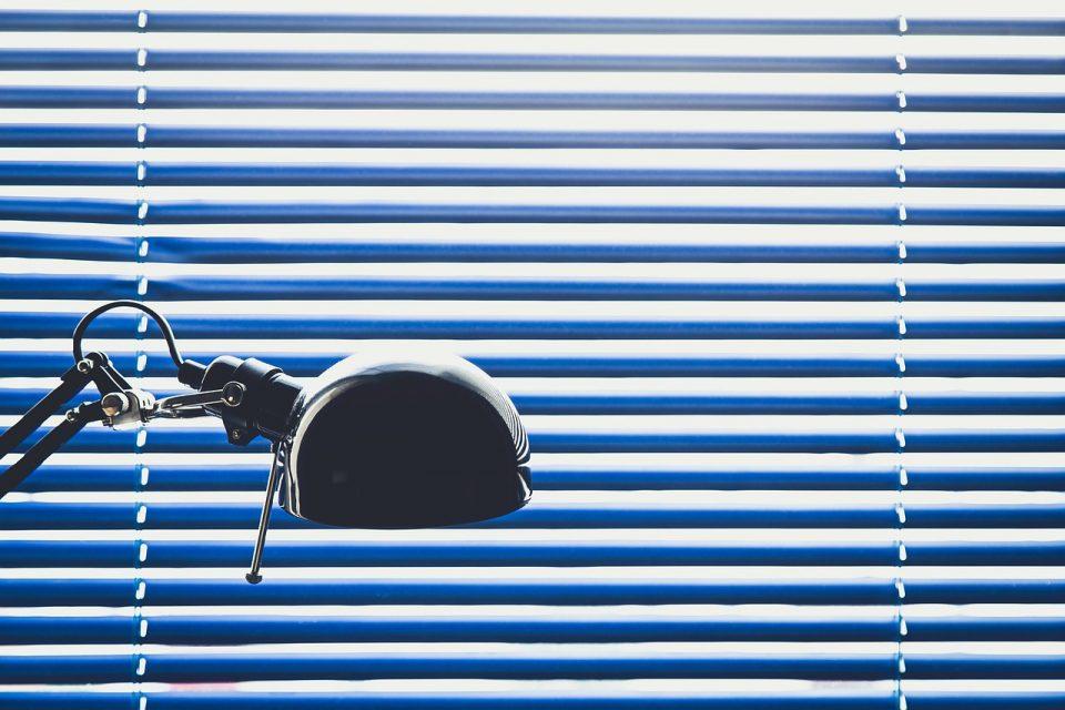 fixing broken blinds